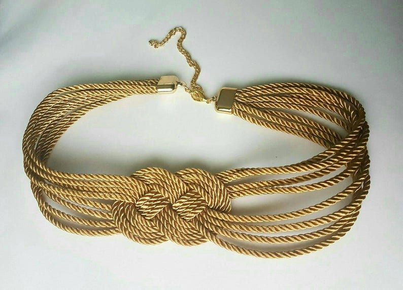 Cinturón dorado nudo marinero en cordón de seda  8aec6969ce99