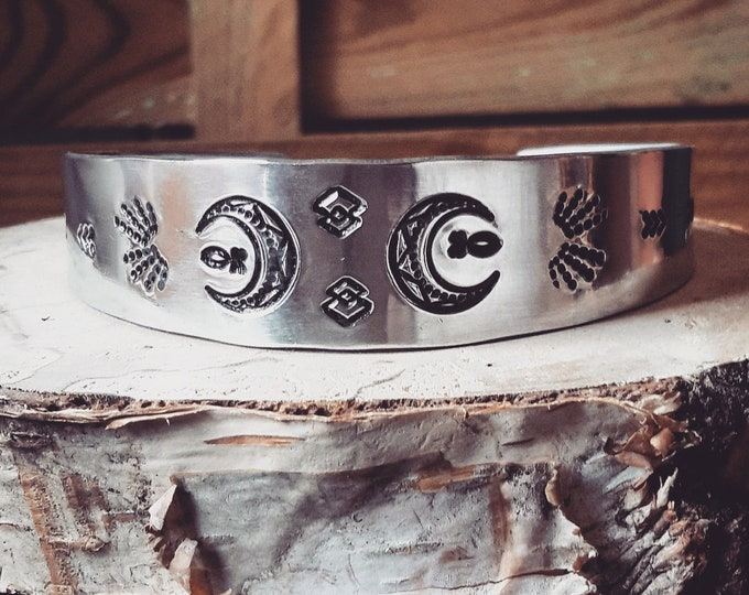 Featured listing image: <<< Bracelet Luna >>>