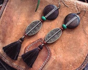 Ethnic earrings, tassel earrings, bronze and black jewel, long earrings, wooden jewel, geometric pattern