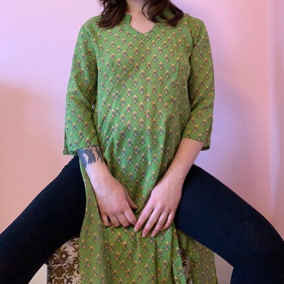60s Vintage Tulip Print Kaftan Dress • S/M - image 7