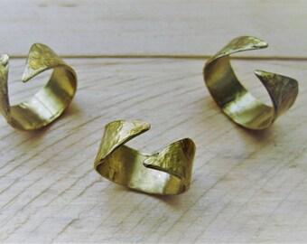 Diagonal Open Ring