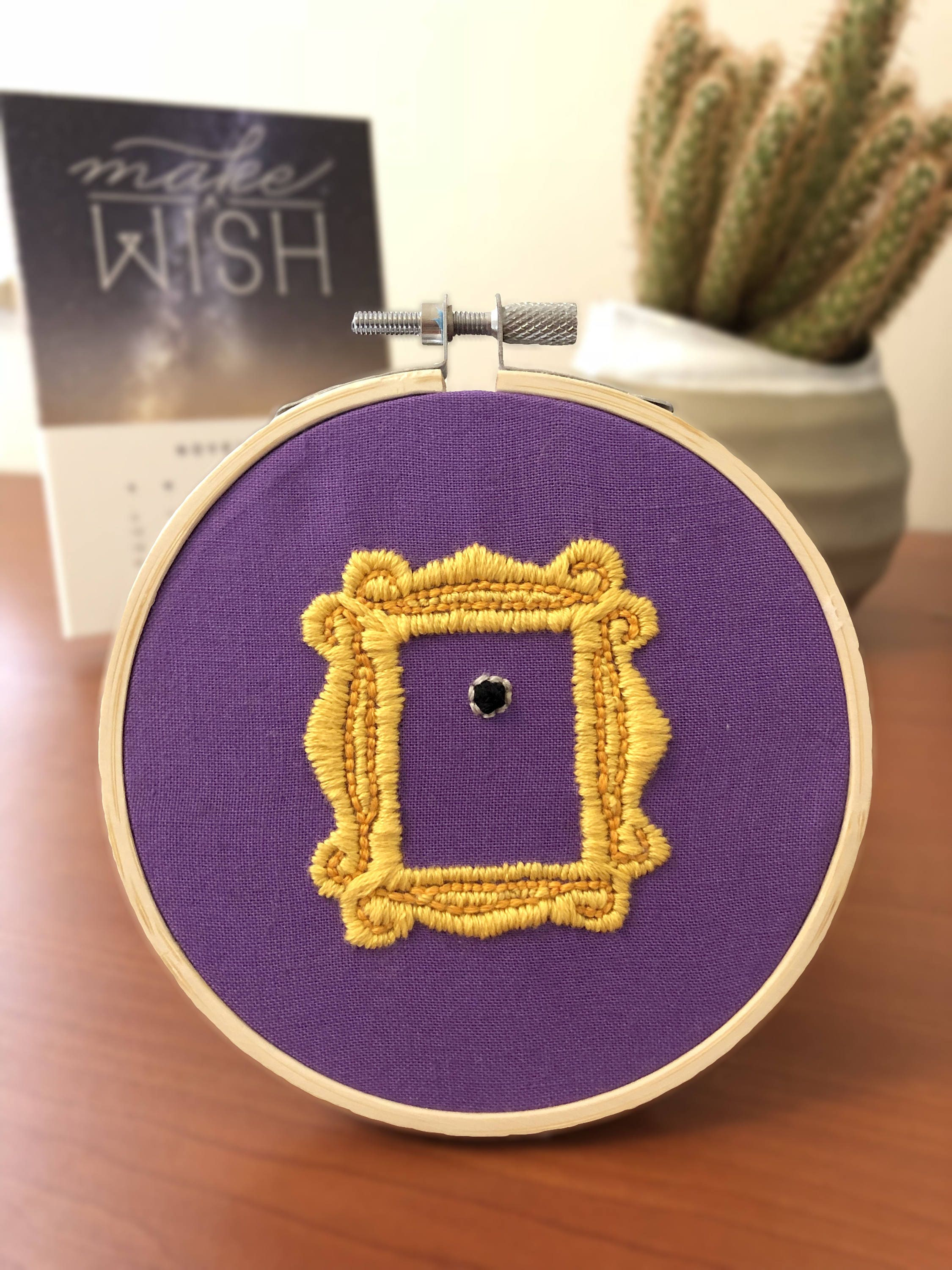 Friends TV Show peephole frame 4in embroidery hoop