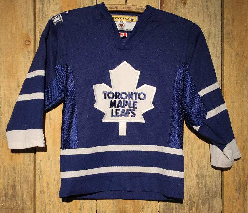 brand new 3ab38 bff56 Vintage Toronto Maple Leafs NHL Hockey Sewn Jersey ! KOHO Youth Size S/M +