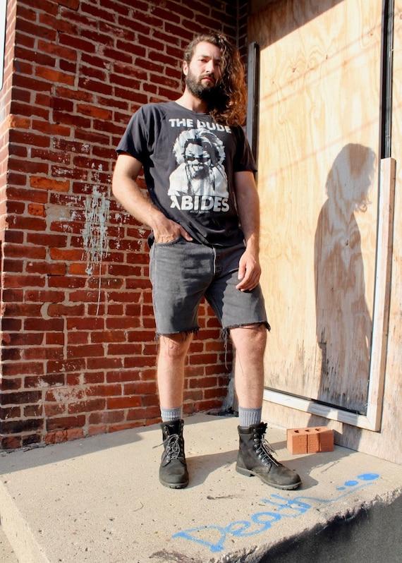 32 inch Black Levi's Denim Shorts