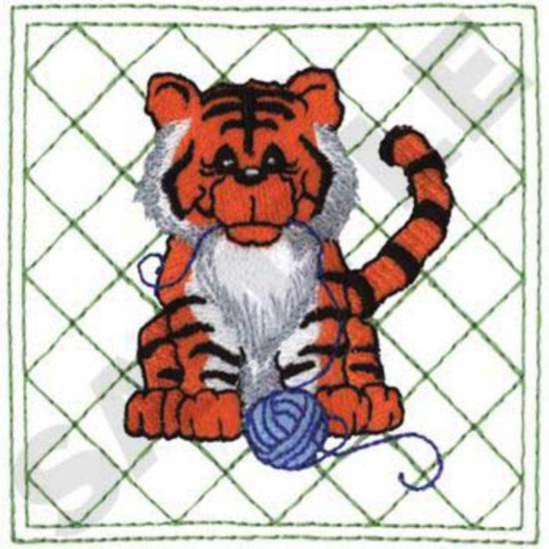 Puppy 3 Pig Embroidery Designs Rabbit Children/'s Lion Monkey Duckling Tiger Lamb Cow