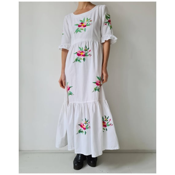 Vintage floral embroidery maxi peasant prairie dre