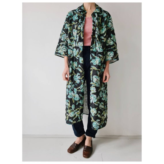 Vintage quilted floral house robe coat m