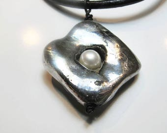square pendant with Pearl
