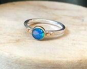 9ct gold and silver Australian opal ring.