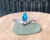 Australian opal Wishbone ...