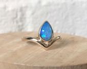 Australian opal ring. Solid 9ct Yellow gold Australian Pipe opal ring