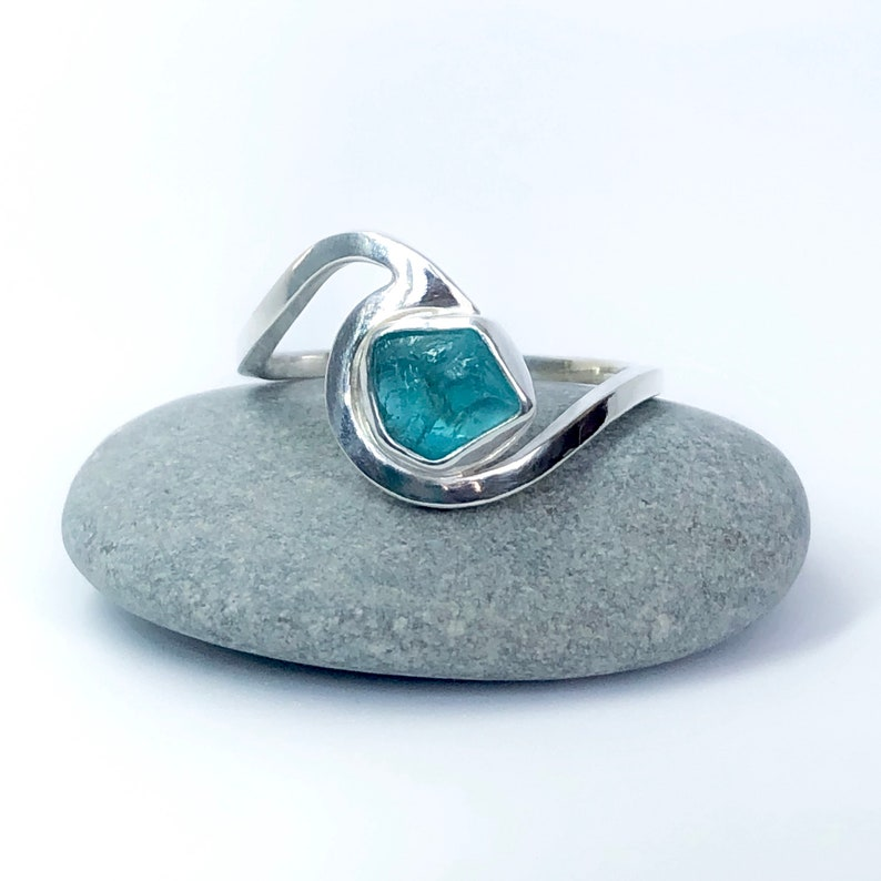 Apatite Sterling silver wave ring. Surf jewellery. Handmade. image 0