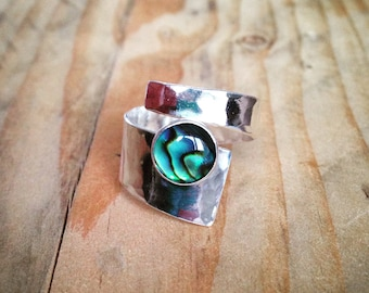 Paua shell. ring. Sterling silver. Adjustable ring. Abalone shell.