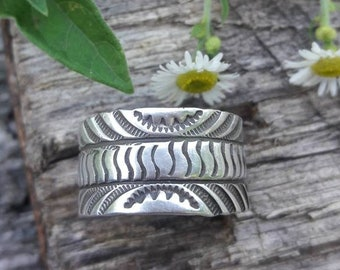 Sterling Silver Navajo Hand Stamped Ring - Hallmarked -Size 9