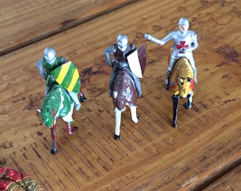 Timpko Toys Knights of the Round Table, Metal Knights, Metal Soldiers, 1950s, Vintage Toy Soldiers, Horses, Shields, Lead Mounted Knights