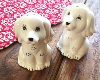 Super Cute Dog Salt and Pepper Shaker, Vintage Salt and Pepper Shakers, Unique Salt and Pepper, Retro Old, Animal Dogs Cute Fun Charming