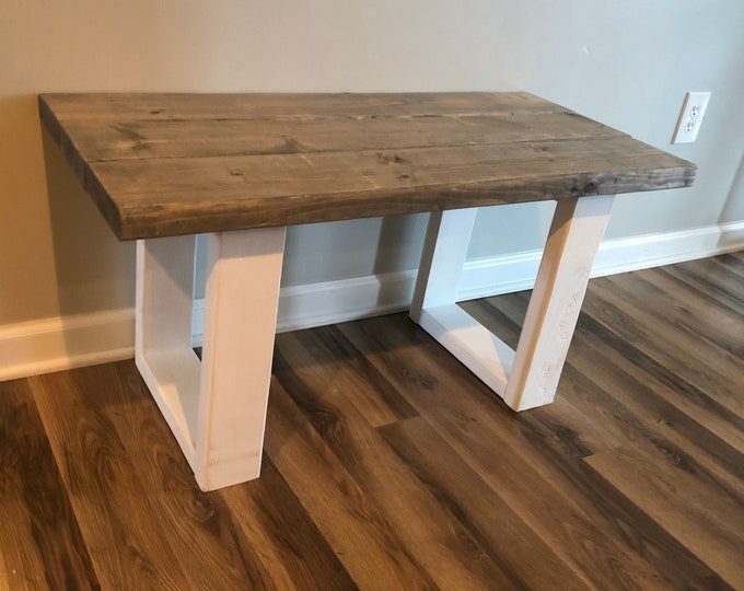 Farmhouse Bench (Pick your own stain)