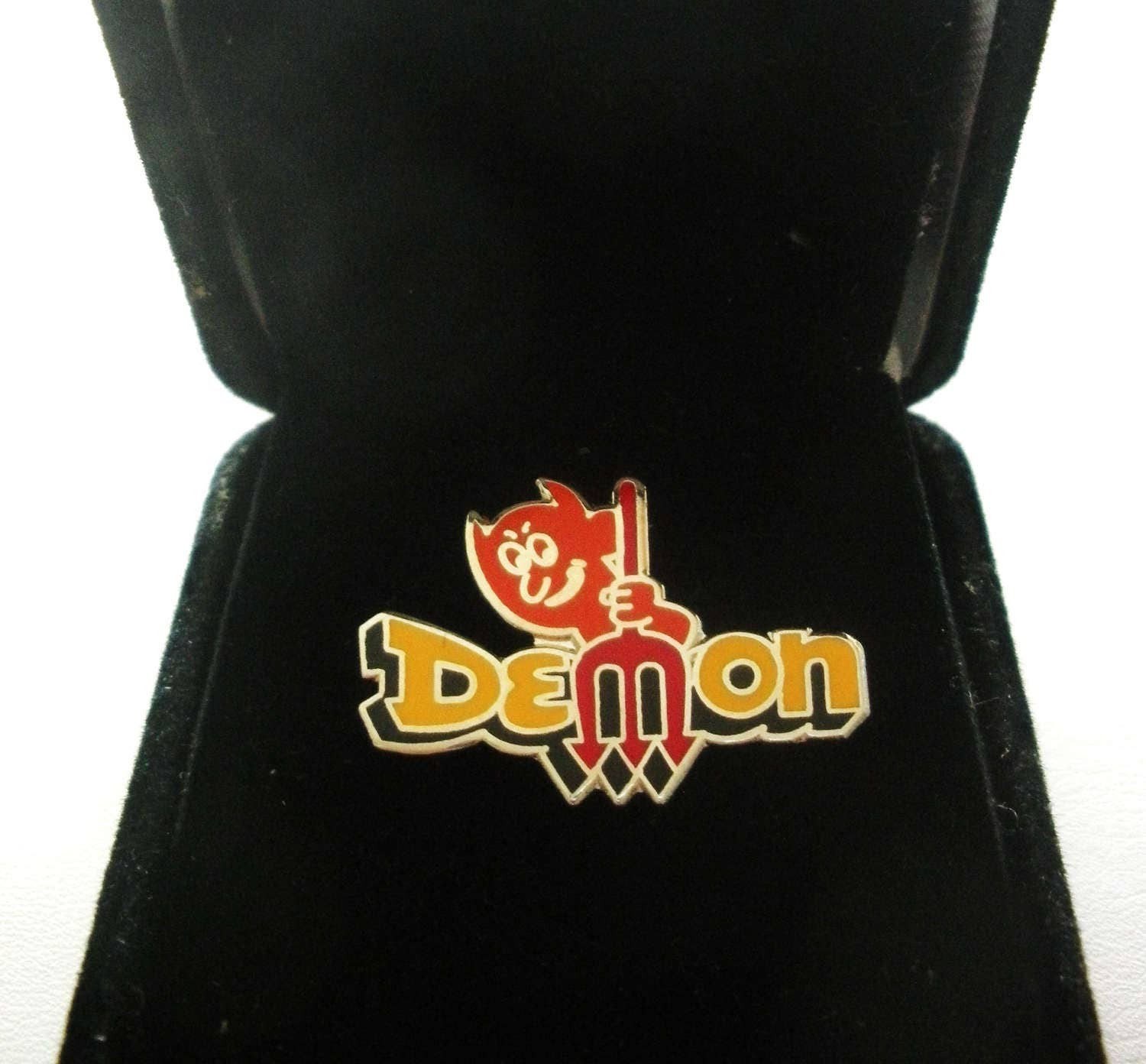 dodge demon vintage sammler hut pin anstecknadel etsy. Black Bedroom Furniture Sets. Home Design Ideas
