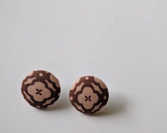 Brown Quatrefoil Button Earrings