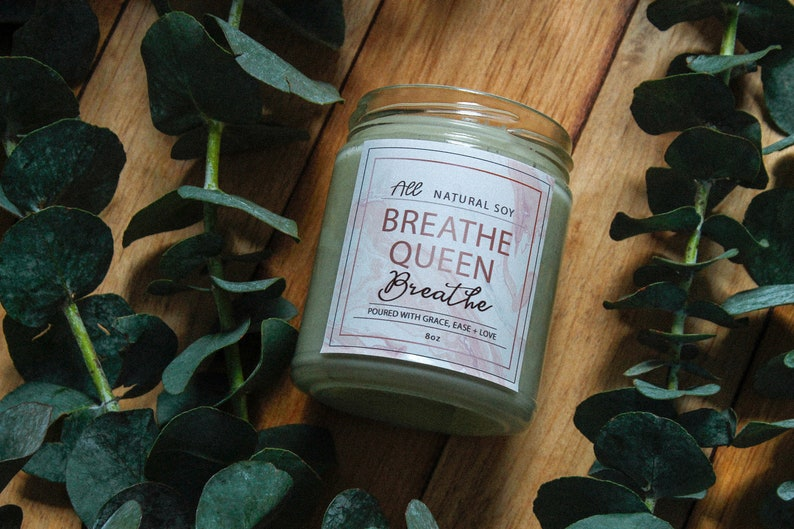 Breathe Queen. Breathe: 100% Natural Scented Soy Candle Hand image 0