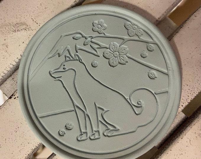 Coaster made of roof tile clay | Shiba dog
