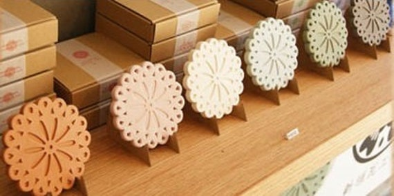 Hand Made Coaster (made of roof tyle clay)   Flower
