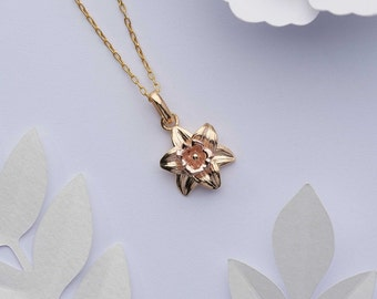 Gold daffodil necklace. 18k gold on Solid 925 sterling silver pendant. Gold vermeil March birth flower necklace. March birthday gift for her