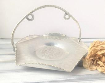Metal Serving Tray w Handle / Aluminum Tray / Dining Tray / Vintage Silver Tray / Vintage Tray / Vintage Serving Tray