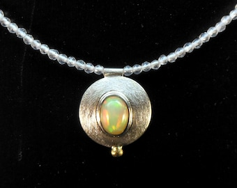 Necklace pendant with opal