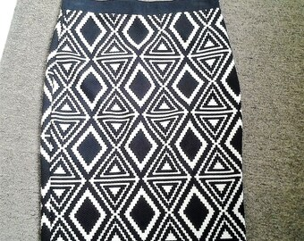 50% off Abstract Design Office Skirt - 90's