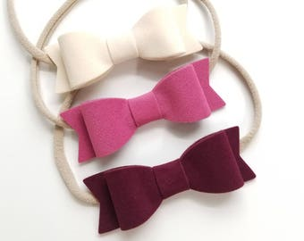 Handmade, Velvet, big Bows, Nylon Headbands, baby bow, baby headband, burgundy, Ivory, English rose, vanaguelite, velvet headband.