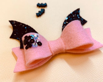 Hallowen bows, Wool Felt Bat Bow, alligator clip or nylon headband, baby bow, sequined bow