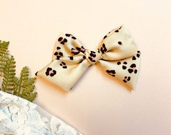 Baby girl Bow, Rose Leopard soft fabric, Nylon Headbands or Hair Clip, bay girl headbands, Schoolgirl Bows