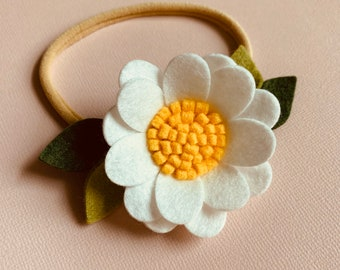 Daisy Headband or alligator clip, white flower, baby hair accessories, Floral headbands