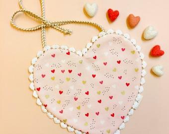 Baby heart Bib, Baby Bibs handmade, boho, Drool bibs, valentine's day baby girl bib, vanaguelite
