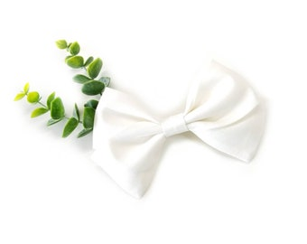 Ivory white, baby Bow, Nylon Headband or Hair Clip, baby headband, vanaguelite, alligator clip, baby girl, fabric bow.