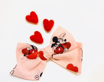 Valentine's Day Baby Bow, Pink Mouse in love, Nylon Headbands or Hair Clip, school girl bow