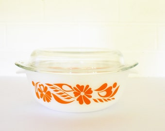 Vintage Pyrex Agee/Crown Round Casserole dish with lid - Orange floral Pattern - 70's Era