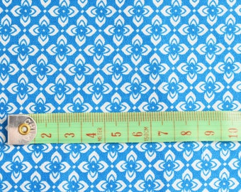 Retro  Fabric Remnant -  Mid Blue background with white flower Geometrical Pattern -  Cotton  Mix - 1960's  Era