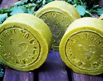Natural Solid Shampoo made with Organic Ingredients for Oily Hair and Scalp with Raw Nettle Juice