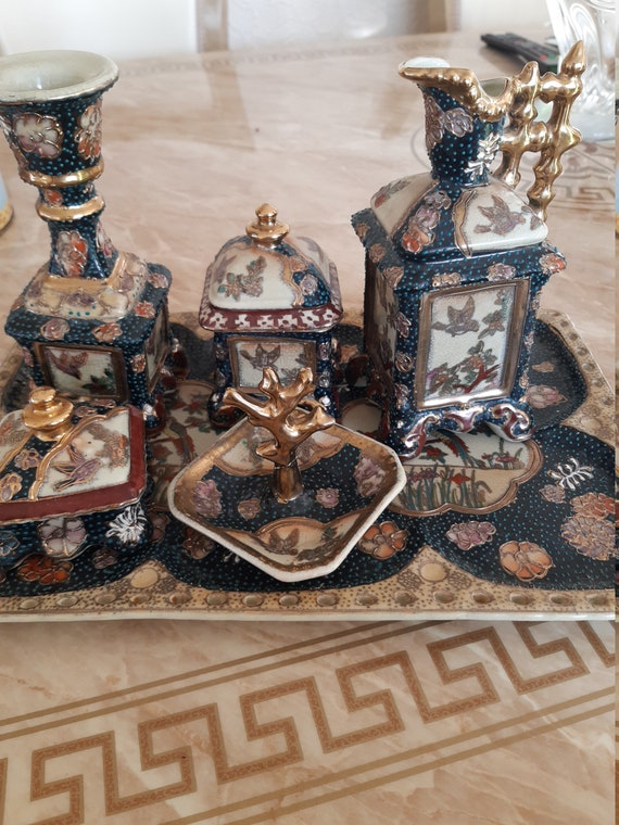Chinese dressing table set
