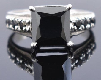 5ct,6ct  Round Brilliant Cut Black Diamond Solitaire Ring With Emerald Accents,Ideal Engagement Ring,Promise Ring