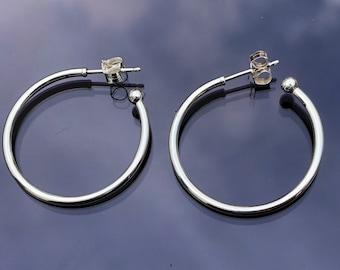 a6d5b3683 Pandora Hoops Earrings Essence of versatility Sterling Silver S925