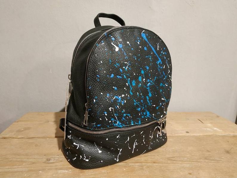 Italian leather backpack Black dark style with blue and White splash zaino in vera pelle colore nero donna ragazza woman litthe girl modern