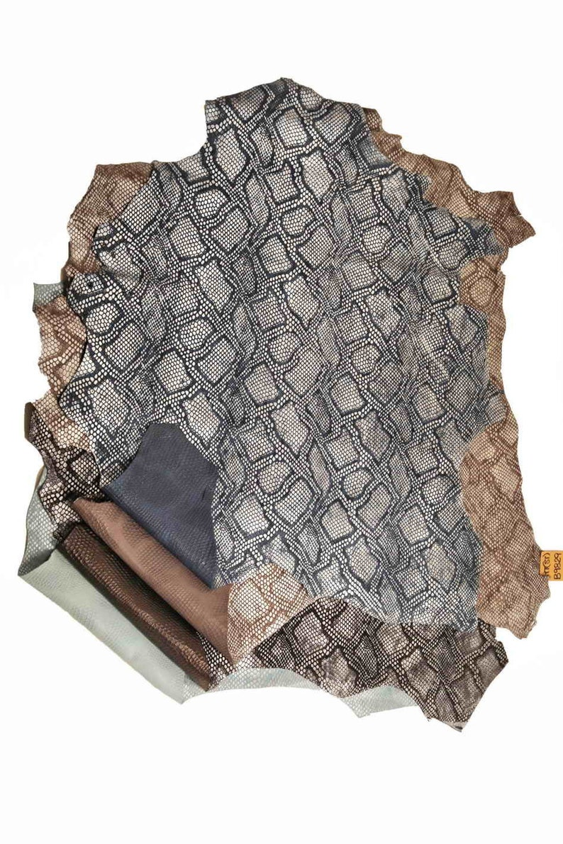 sportyclassy A9829-MT carved goatskin with scales La Garzarara Italian leather ST silver foiled python pattern medium softness glazed