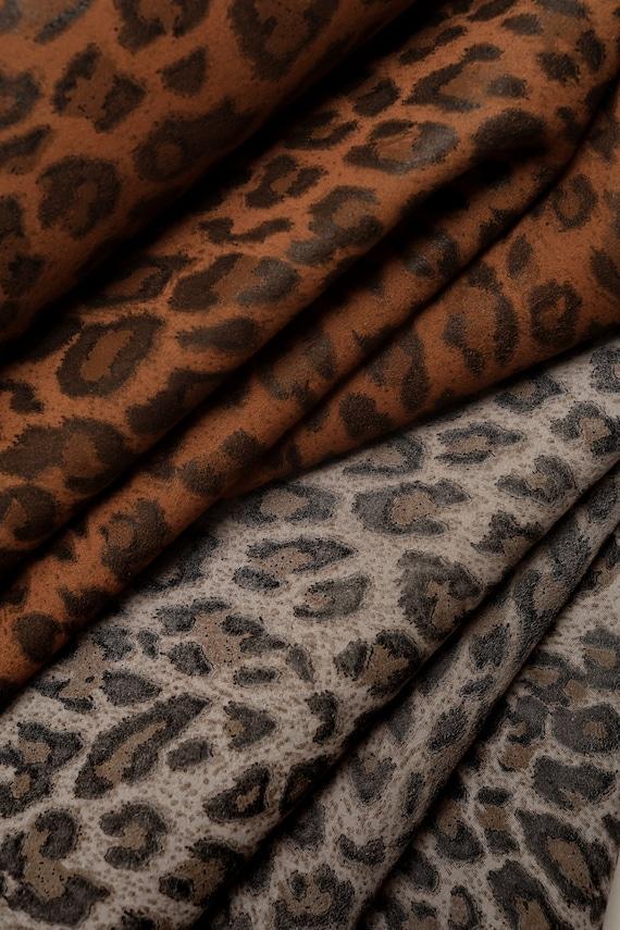 Leopard imprimer daim cuir italien disponible en deux etsy - Image leopard a imprimer ...