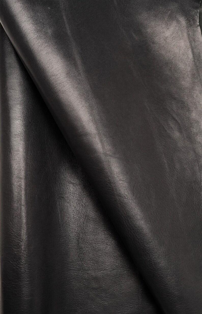sporty style milled semi-glossy black colored kid hide semi-glossy Italian leather soft skin   A2795-VT La Garzarara