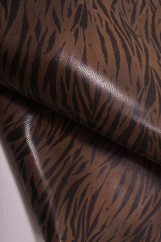 0180b22c6331 Cuir italien zèbre, couleur terre avec Cindy effet brillant et zèbre,  italien peau douce