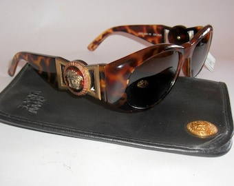 3a4d6fcd87ce Gianni Versace Vintage Men s Sunglasses. Gianni s Iconic Model 424. Vintage  1990s. Never Worn. In Near Mint Condition.