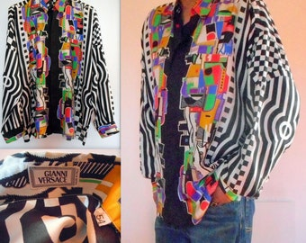 6f2878fb86 Gianni Versace Men s Cubist Art and Graphic Art Deco Print Silk Shirt.Vintage  1990s.Iconic Rarest Gianni. Rarely Worn.Excellent Condition.